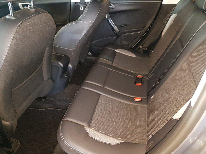 Peugeot 2008 1.6 BlueHDi 100 S&S Allure