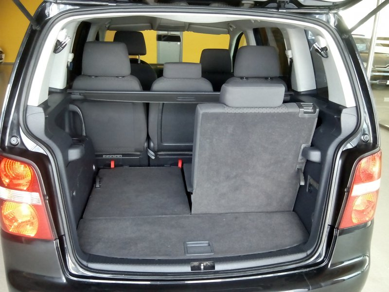 Volkswagen Touran 1.9 TDI ADVANCE