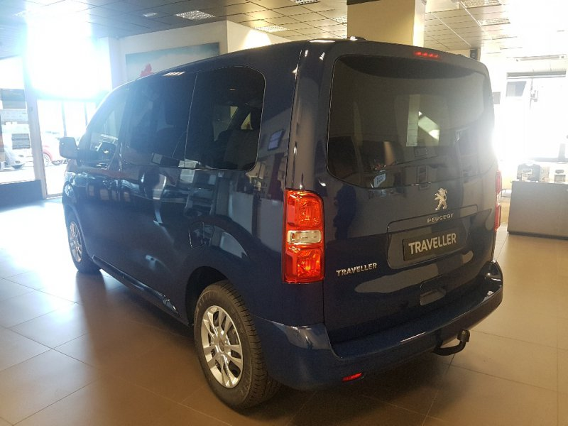 Peugeot Traveller 1.6 BlueHDi 115 Compact Business
