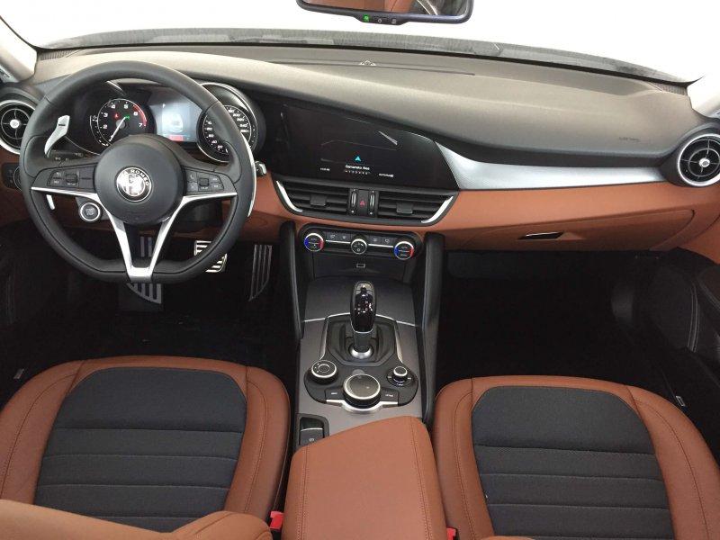 Alfa Romeo Giulia 2.0 Gasolina 200cv AT Super