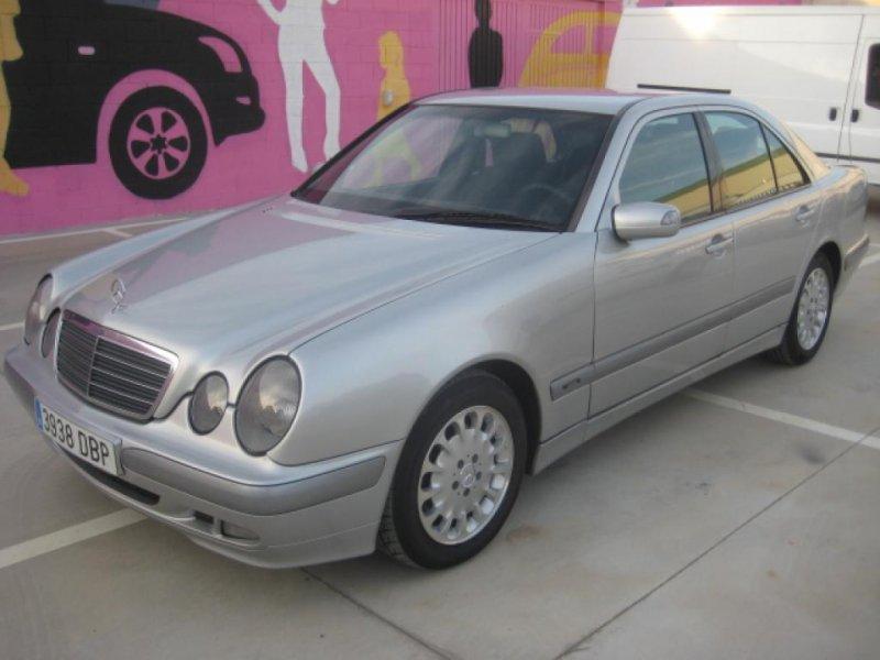 Mercedes-Benz Clase E E 270 CDI CLASSIC