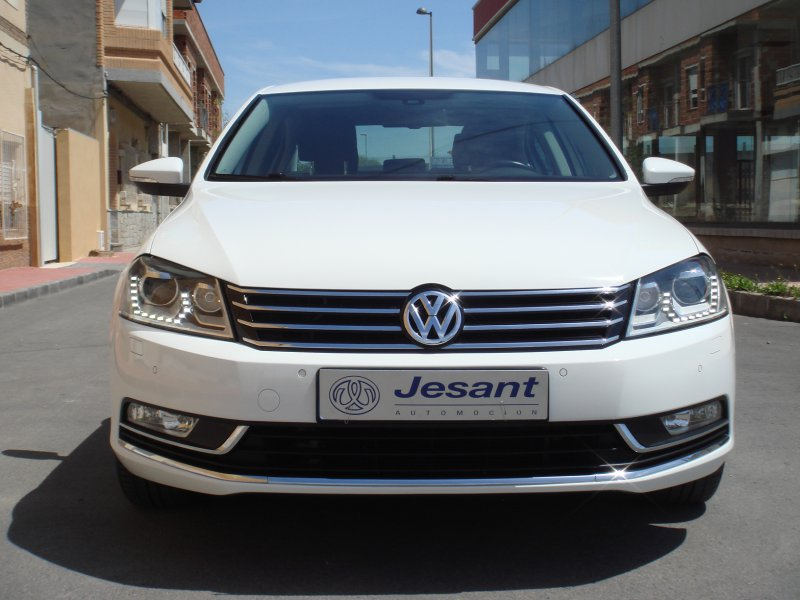 Volkswagen Passat 2.0 TDI 140 Tech Advance Plus BlueMotion