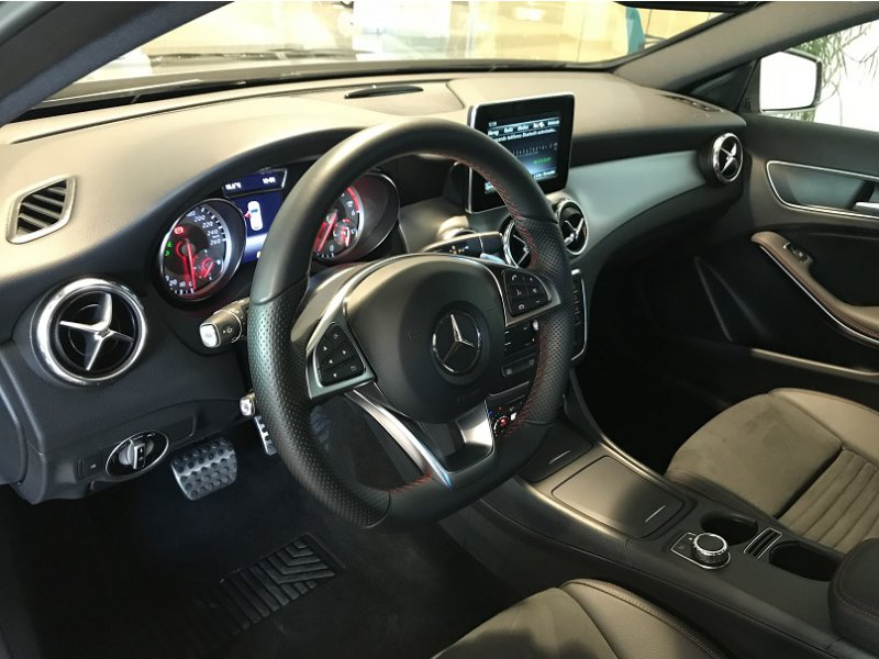 Mercedes-Benz Clase GLA GLA 220 d 177 CV 4MATIC AMG Line