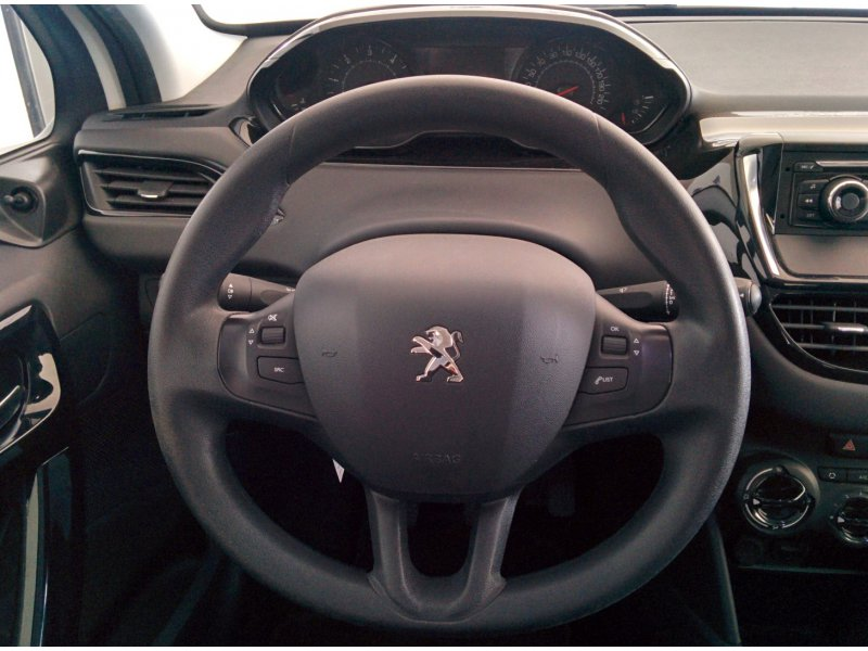 Peugeot 208 5P BUSINESS LINE 1.4 HDi 68 Business Line