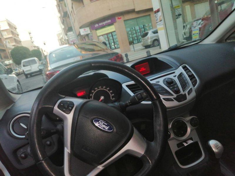 Ford Fiesta 1.25 82cv Titanium