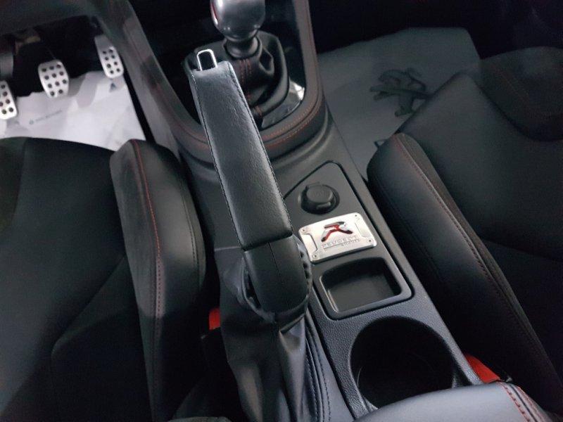 Peugeot RCZ 1.6 THP 270 R