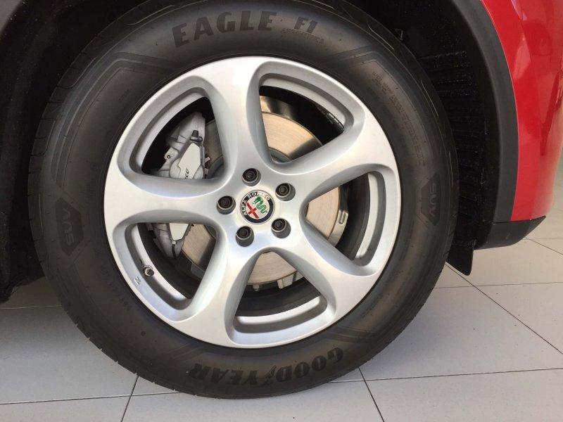 Alfa Romeo Stelvio 2.2 Diésel 132kW (180CV) RWD Super