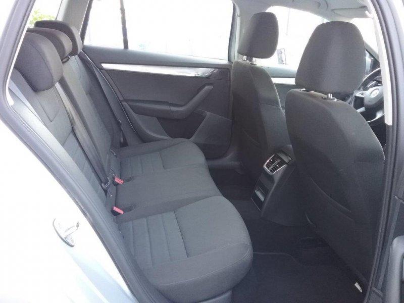 Skoda Octavia Combi 2.0 TDI CR 150cv Elegance