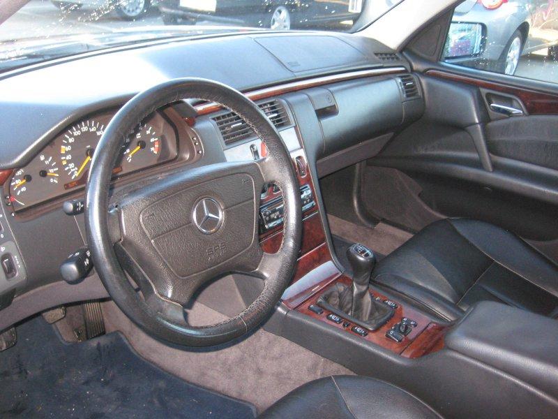 Mercedes-Benz Clase E E 240 ELEGANCE