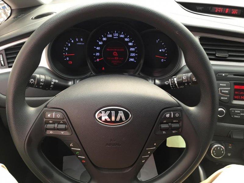 Kia ceed 1.4 CRDi WGT Concept