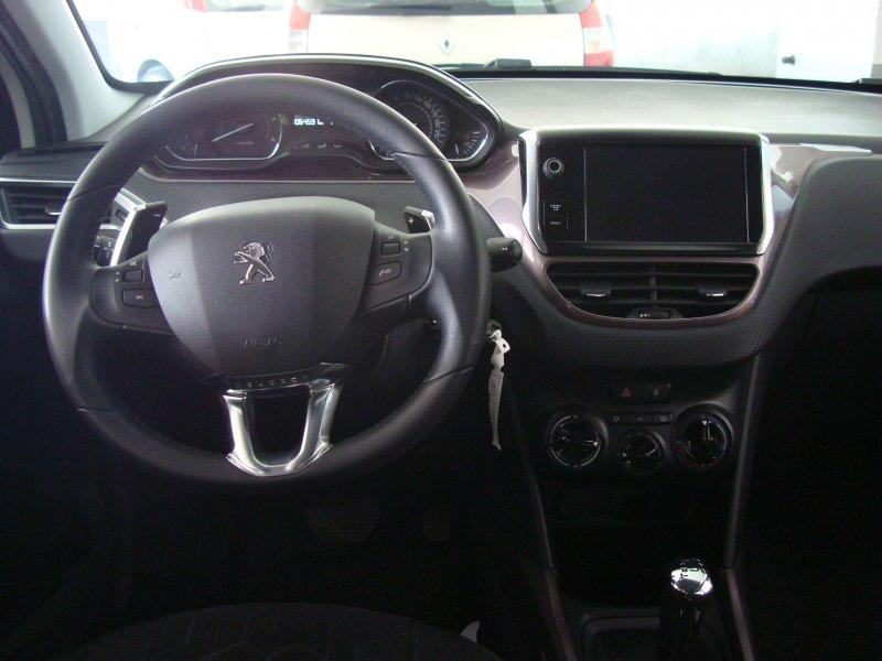 Peugeot 2008 1.6 e-HDi 92 ETG6 Automático Active