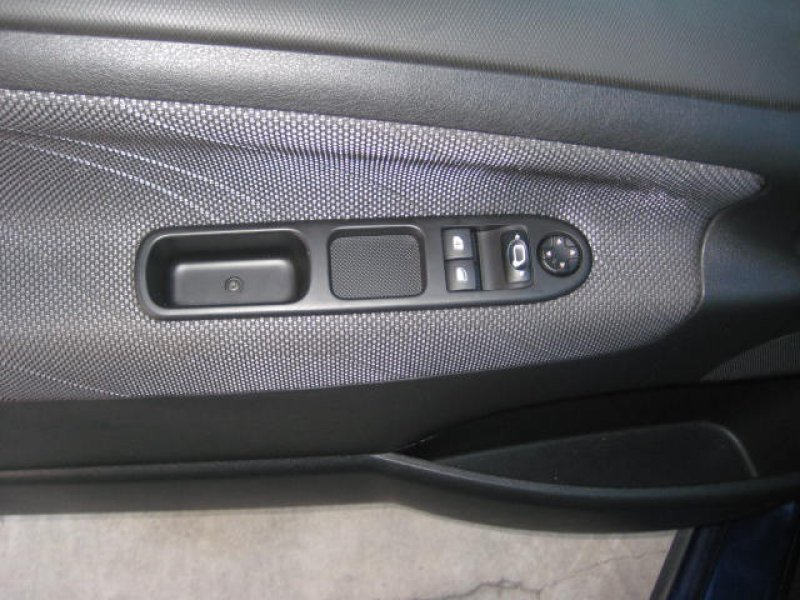 Peugeot 207 1.6 VTi 16v 120 Sport
