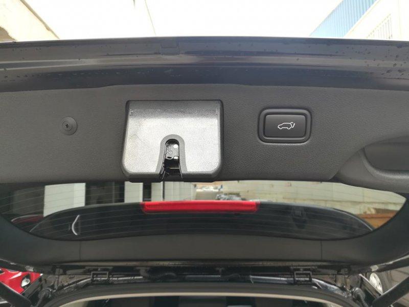 Kia Sorento 2.2 CRDi Auto 4x4 (Pack Luxury) x-Tech