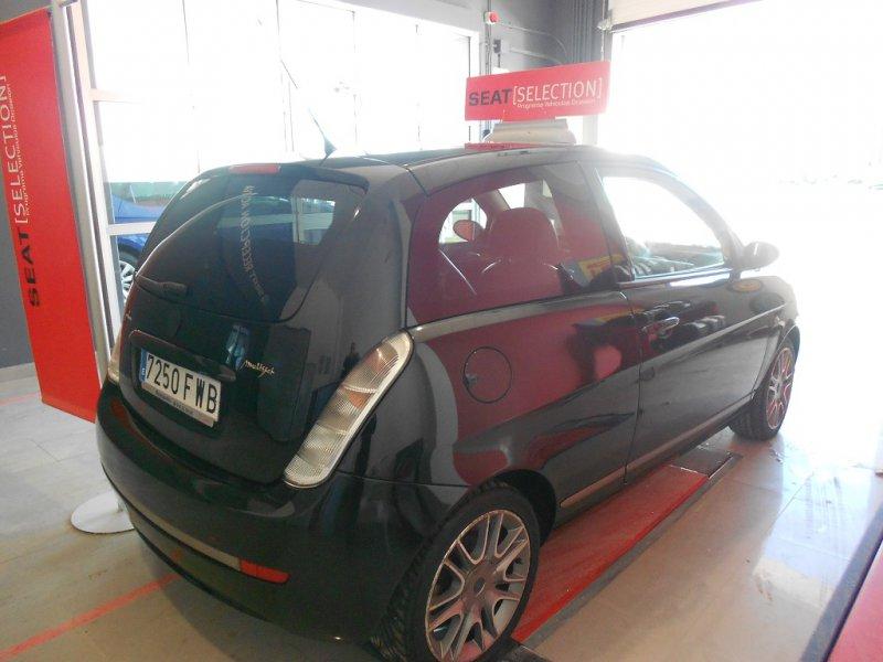 Lancia Ypsilon 1.3 JTD 105 Momo Sport