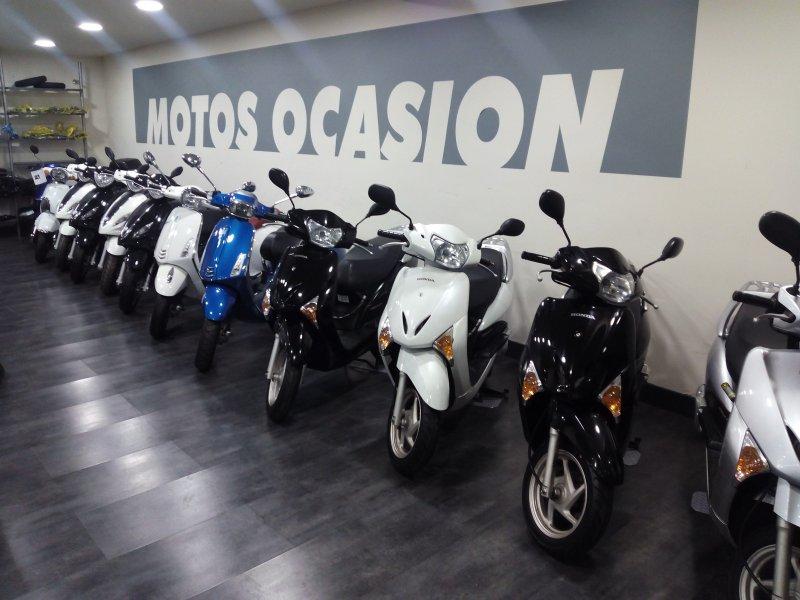Honda-Moto Lead MONOCILINDRICO