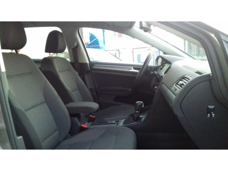 Volkswagen Golf 1.6 TDI 105cv BMT DSG Advance