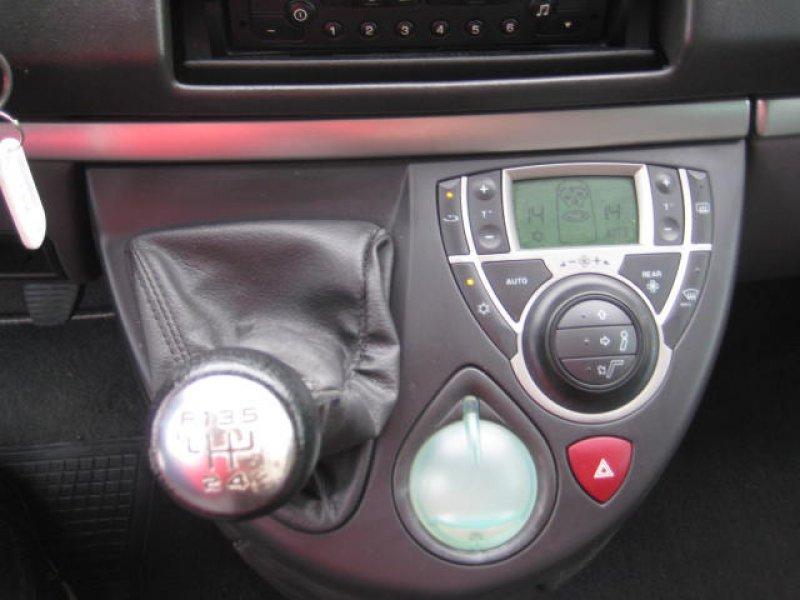 Peugeot 807 2.0 HDI ST