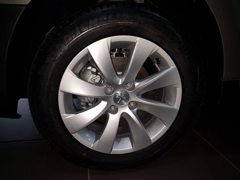 Peugeot Partner TEPEE 1.6 BlueHDi 100 ADVENTURE EDITION