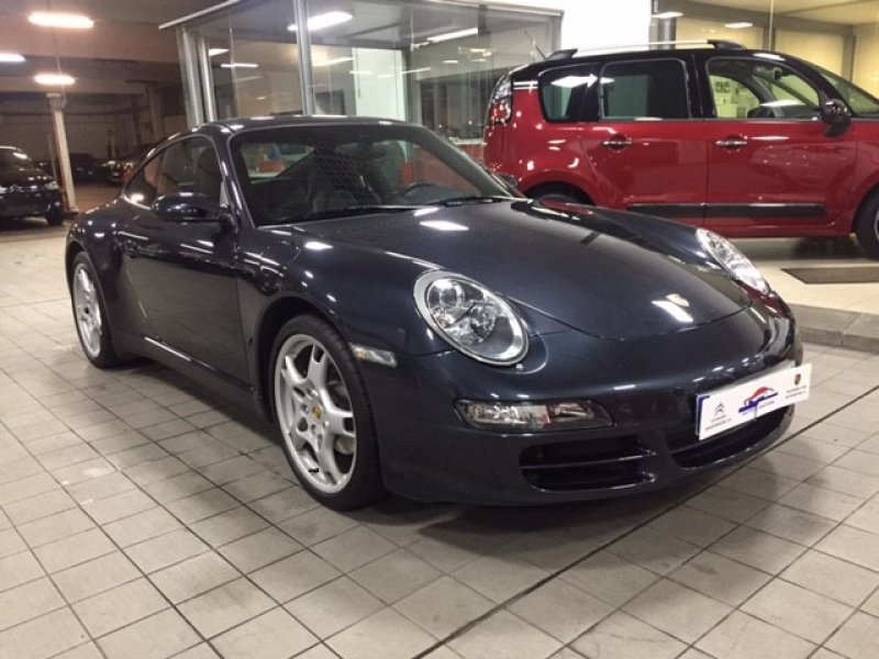 Porsche 911 Coupe 997 Carrera 4