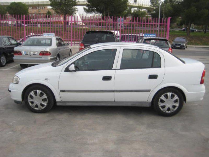 Opel Astra 2.0 DI 16V COMFORT