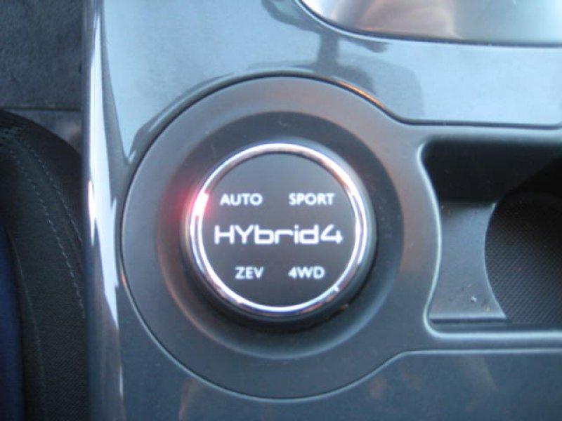 Peugeot 3008 HYbrid4 HYbrid4