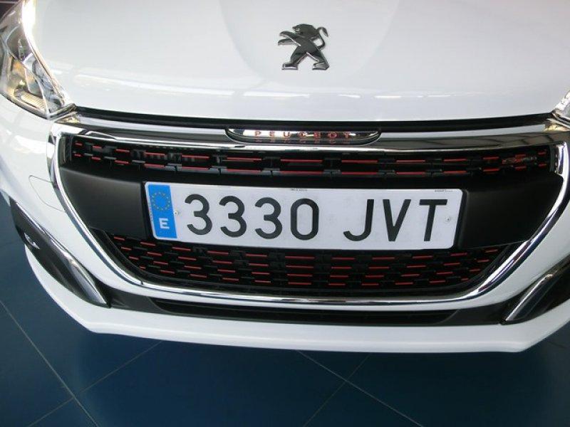 Peugeot 208 5P GT-Line 1.2L PT EAT6 110 S&S