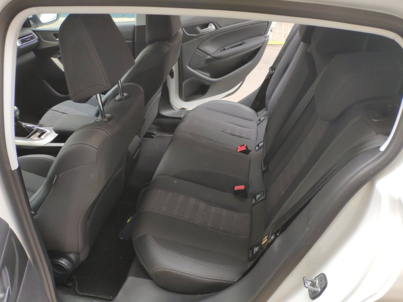 Peugeot 308 5p 2.0 BlueHDi 110KW (150CV) Allure