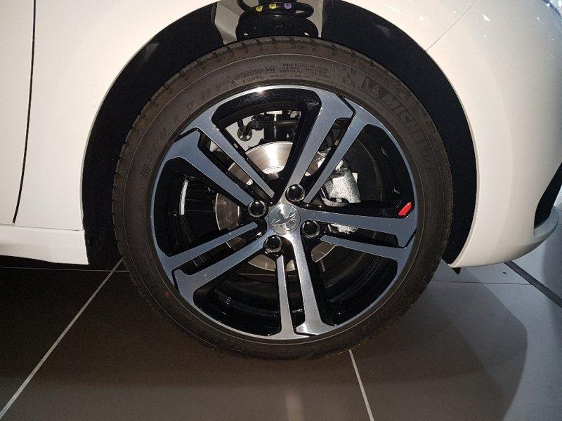 Peugeot 208 5P GT-Line 1.2L PT EAT6 110 S&S GT Line