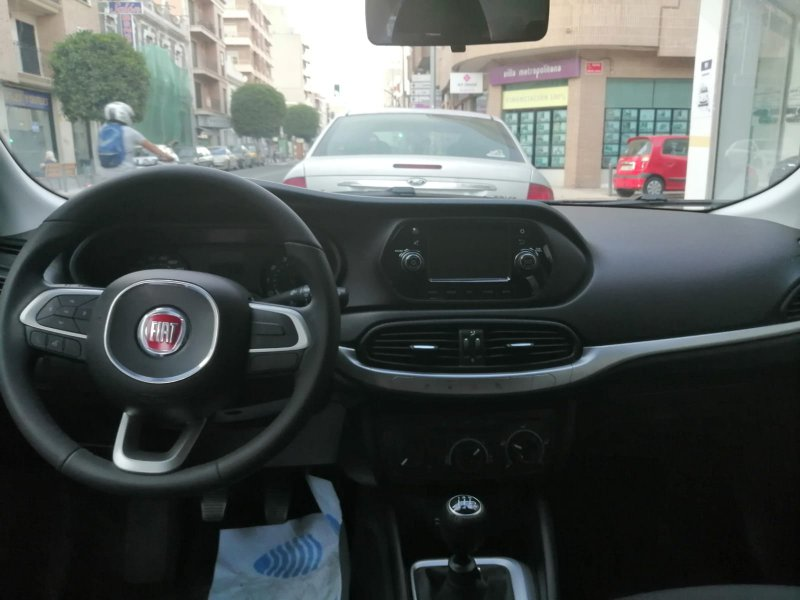 Fiat Tipo 1.4 16v 70kW (95CV) gasolina 5p. Easy