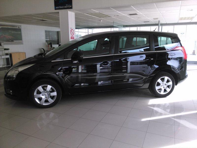 Peugeot 5008 2.0 HDI 150 FAP Premium
